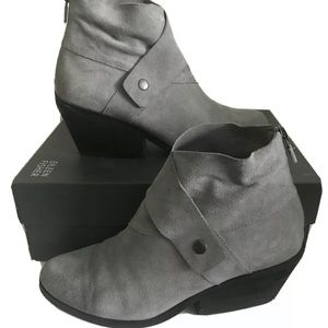 Eileen Fisher grey suede tag bootie size 8 $195